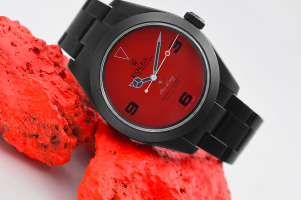 Rolex Little red  - Limited Edition /10 Black Venom Dlc - Pvd